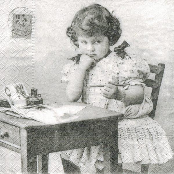 """Салфетки бумажные для декупажа """"Девочка пишет"""""""