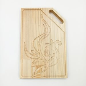 """Доска разделочная деревянная с резным рисунком """"Лилия"""""""