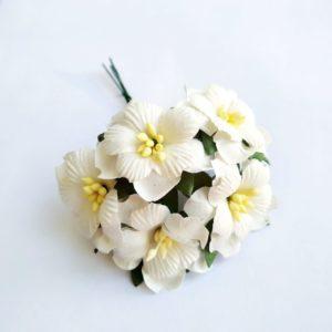 Цветы бумажные 3 см цвет белый